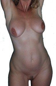 dagtid mogen kvinna naken