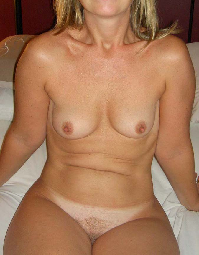 middag kvinna små bröst